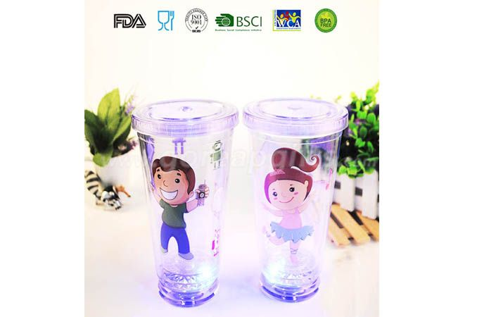 Creative  450ml Double Walled custom flashing plastic led cups with straw