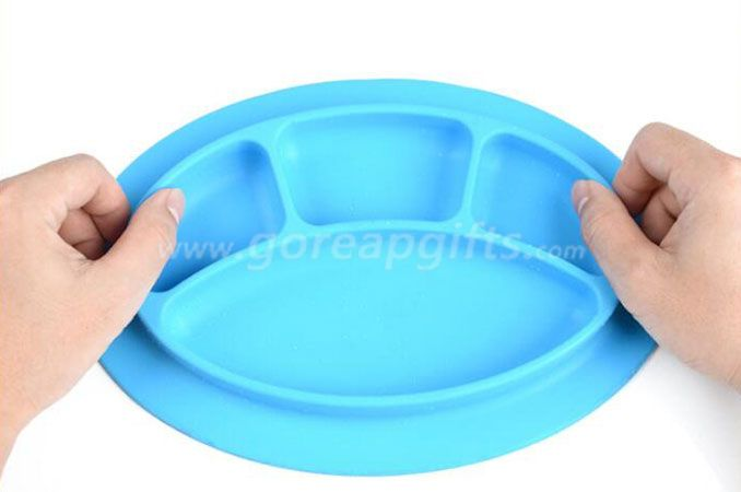 Safety Non-Slip Kids BPA Free Silicone Plastic Plate With Divider