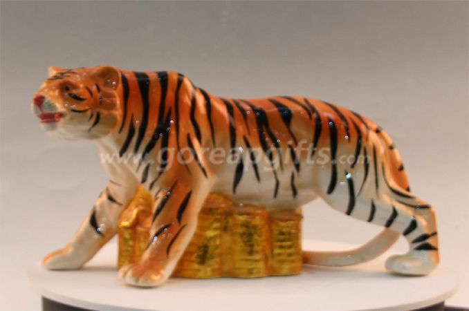 Ceramic tiger home deocration ceramic ware