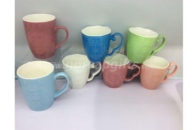 2018 hot sell color glazed relief mug embossed ceramic mugs