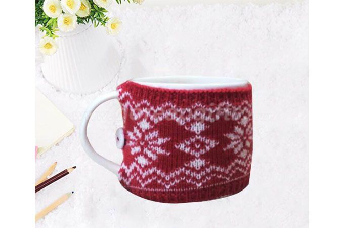 Ceramic coffee mug with Knitting cup cover