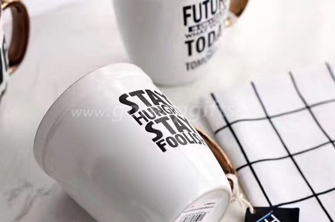 Metallic handle ceramic coffee mugs with customzied design